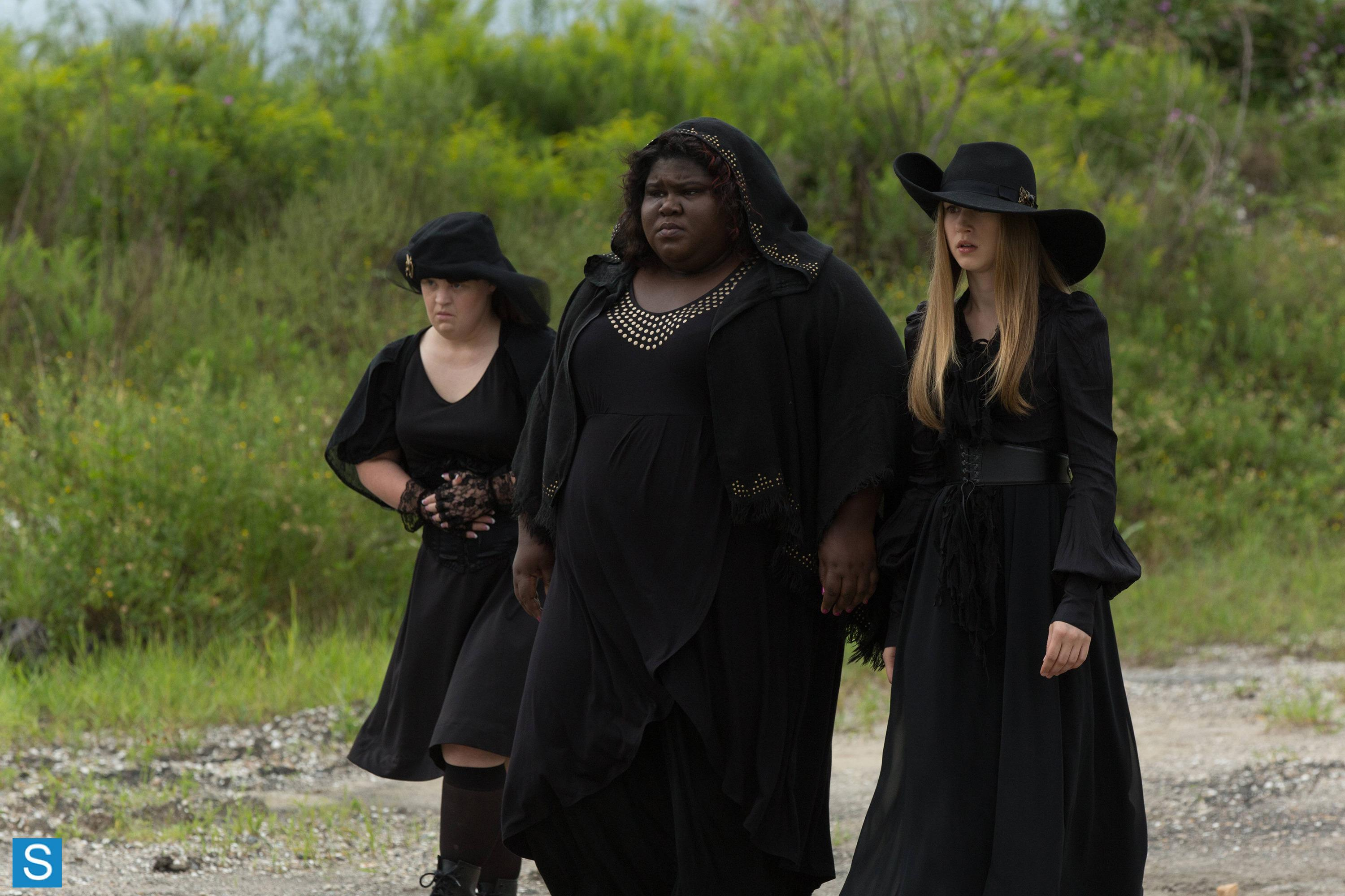 american-horror-story-episode-3-05-burn-witch-burn-promotional-photos-2_full